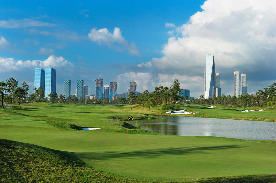 The 7th hole of the Jack Nicklaus Golf Club Korea in Songdo
