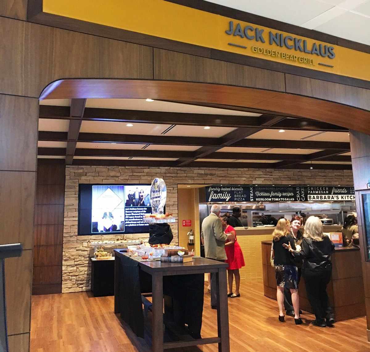 Jack Nicklaus Golden Bear Grill at Charleston International Airport